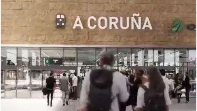 Julia Benedetti en la que será la nueva Intermodal de A Coruña.