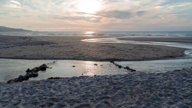 Atardecer en la bonita playa de Traba de Laxe