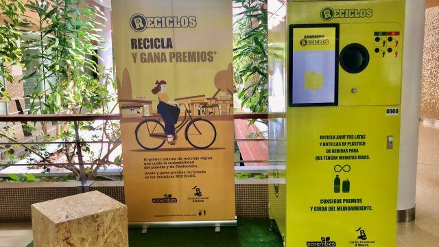 Maquinaria de reciclaje de RECICLOS en el C.C. A Barca