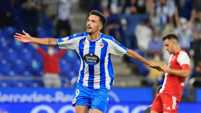 Alberto Quiles celebra su gol ante el Celta B en Riazor.