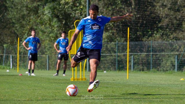 Celso Borges durante un entrenamiento.