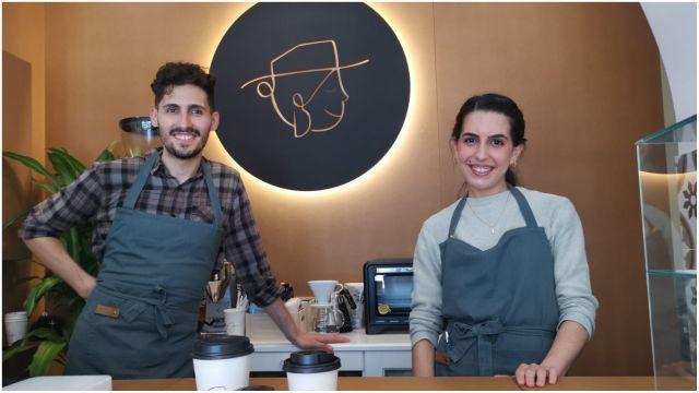 Los responsables del Café Doña Bárbara de A Coruña.