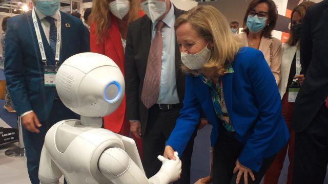 Nadia Calviño durante su visita a Mindtech 2021 en Vigo.