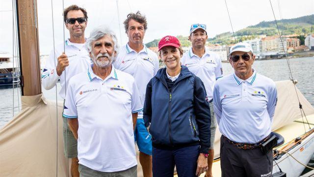 Visita de la infanta Elena al Xacobeo 6mR Europeans 2021 organizado por el Real Club Náutico de Sanxenxo