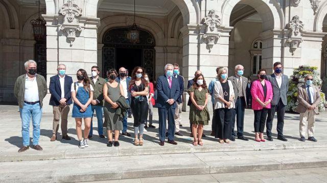 Concentración en repulsa por el asesinato machista de A Coruña.