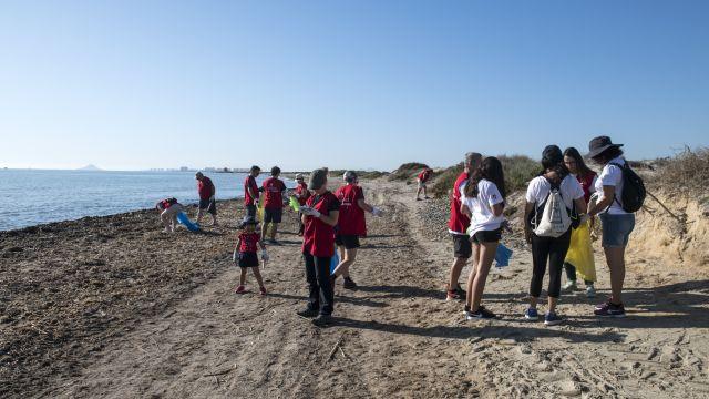 Imagen de una de las anteriores campañas de '1m2 por las playas'