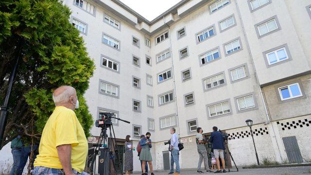 Inmueble en el que residía la mujer presuntamente asesinada en O Birloque por su pareja