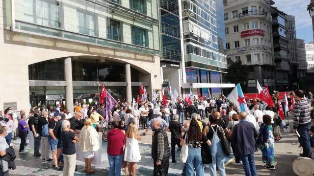 Concentración en A Coruña por la subida del precio de la luz.