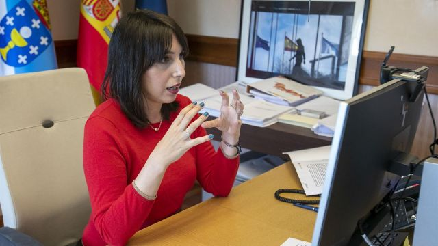 La conselleira de Emprego e Igualdade, María Jesús Lorenzana, clausura una jornada telemática sobre prevención