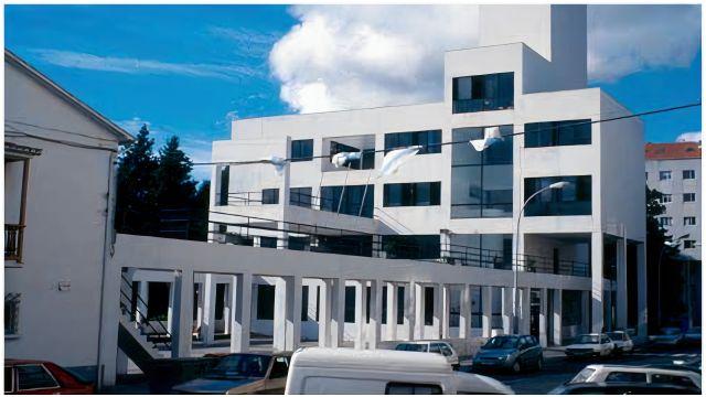 fachada del ayuntamiento de Fene.