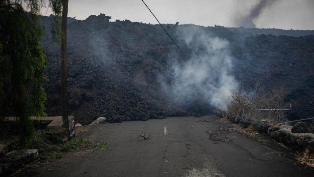 La aproximación de la lava al núcleo urbano