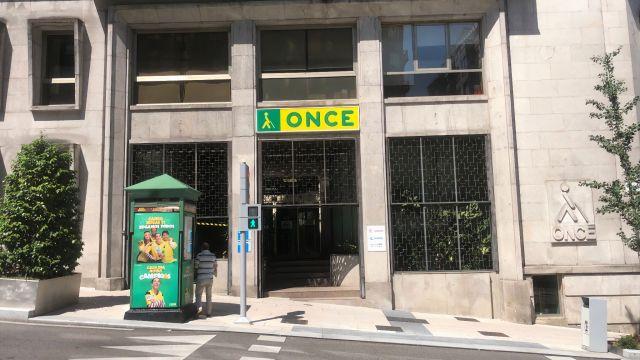 Sede de la ONCE en la calle Gran Vía de Vigo.