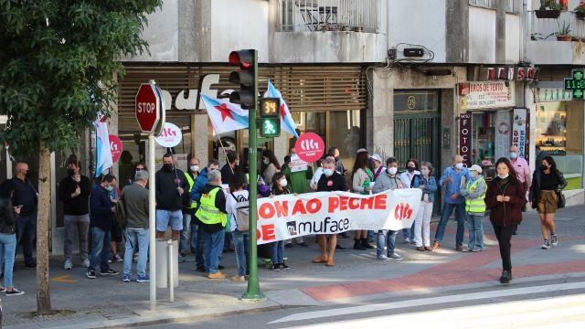 Concentración de la CIG frente a la oficina de Muface en Santiago